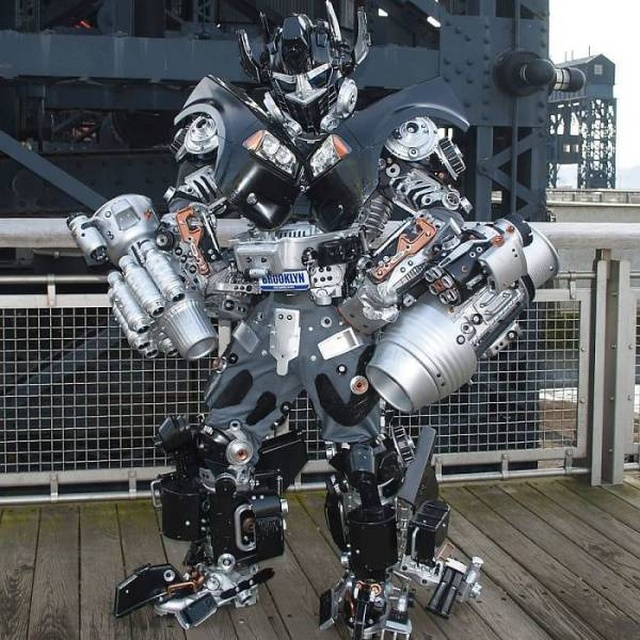 Artist Turns Himself Into Real Robots