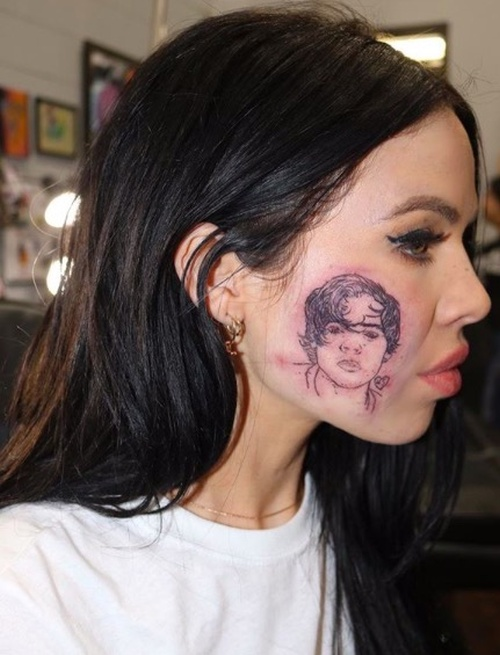Singer Kelsy Karter Got A Tattoo Of Harry Styles On Her Face