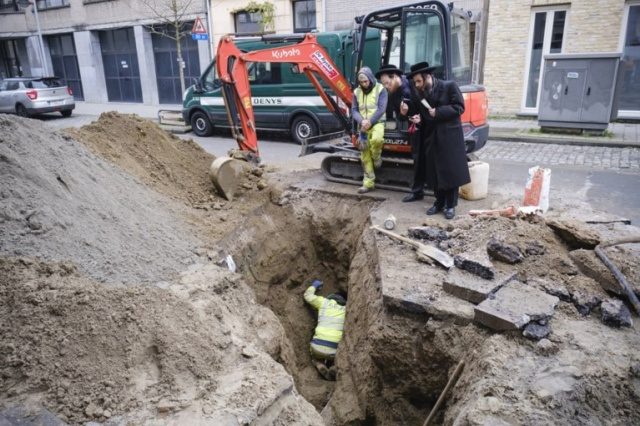 In Antwerp, Thieves Got Into The Bank From The Sewer