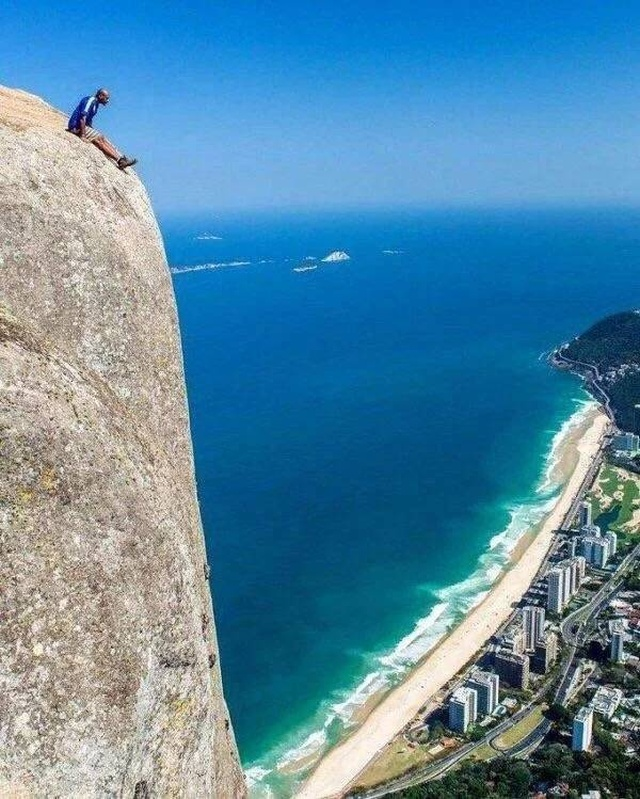 These People Are Not Afraid Of Heights