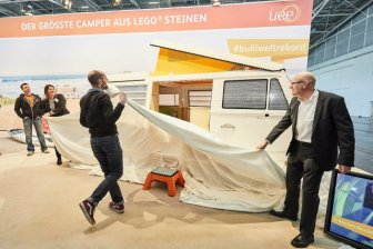 Volkswagen T2 Hippie Van From 400,000 Lego Parts
