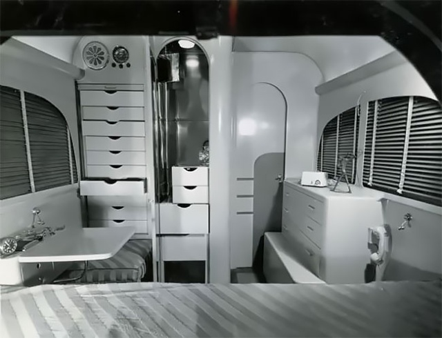 Jungle Yacht, The Luxury Apartment On Wheels From1930s