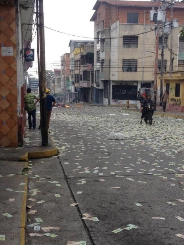 In Venezuela, People Looted A Bank And Then Burned The Money To Show It Was Worthless