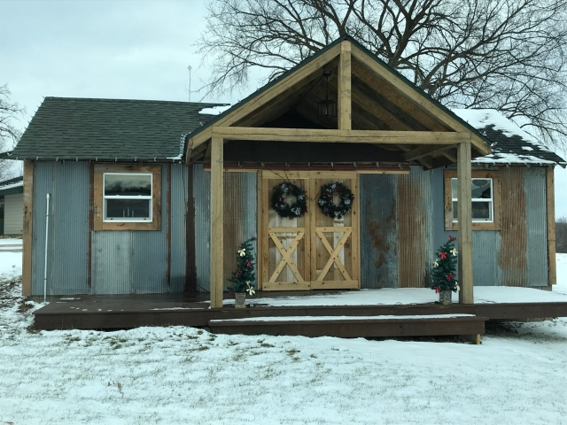 Remodeling Old Chicken Coop In To A Bridal Suite