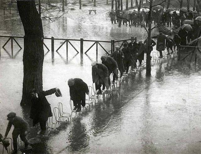Very Strange Vintage Photos
