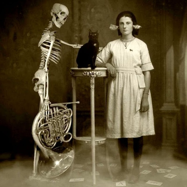 Very Strange Vintage Photos