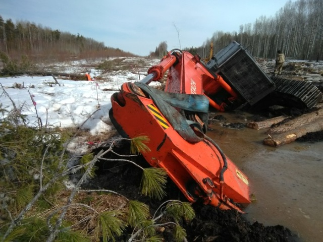Excavators Rescue An Excavator