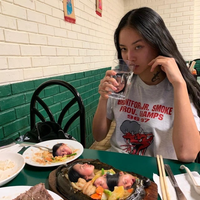 Asian Girl MLMA Makes Crazy Pictures