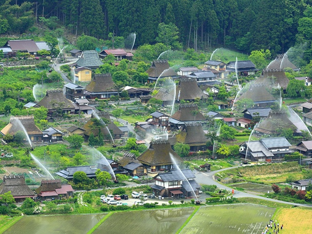 Ingenious Sprinkler System Turns Entire Japanese Hamlet into a Water Fountain