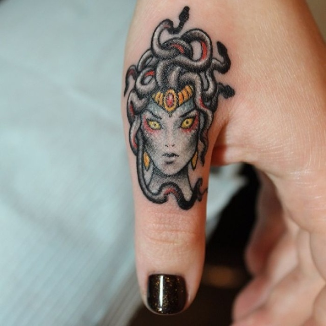 Examples Of Awesome Finger Tattoos