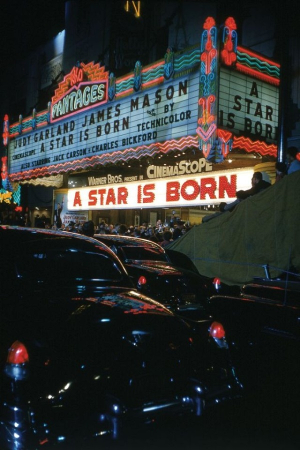 A Look Back at the Star-Studded World Premiere of 'A Star Is Born'