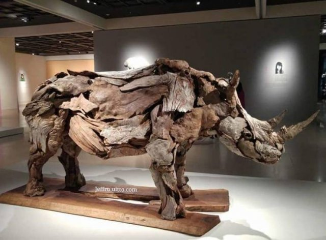 Artist Creates Sculptures Solely Out Of Wood He Finds On Beaches