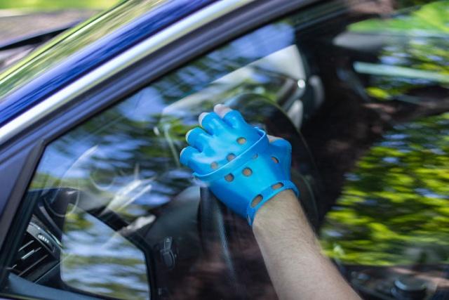 DIY Crocs Gloves