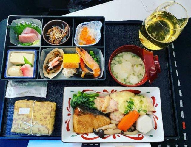 Economy Class Food Vs Business Class Food