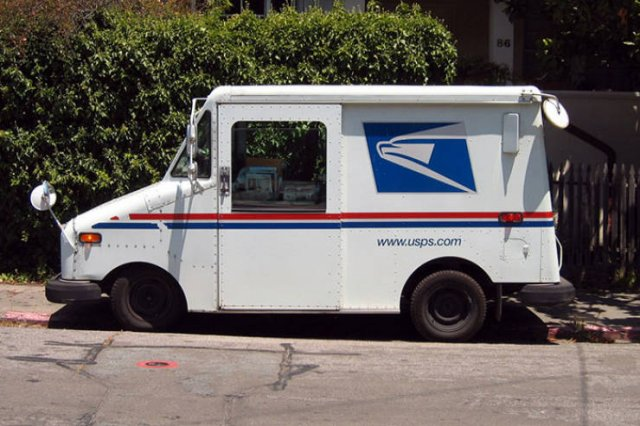 This Guy Wanted To Show How Hot It Is Inside His Mail Truck