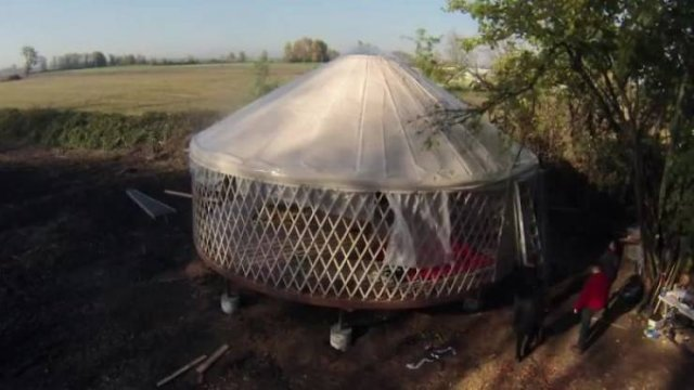 Couple Builds An Awesome Yurt