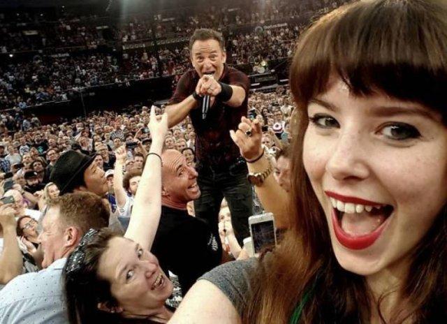 Celebrities Photobomb Ordinary People