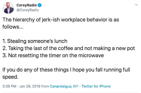 Why Having Lunch At The Office Is Awful