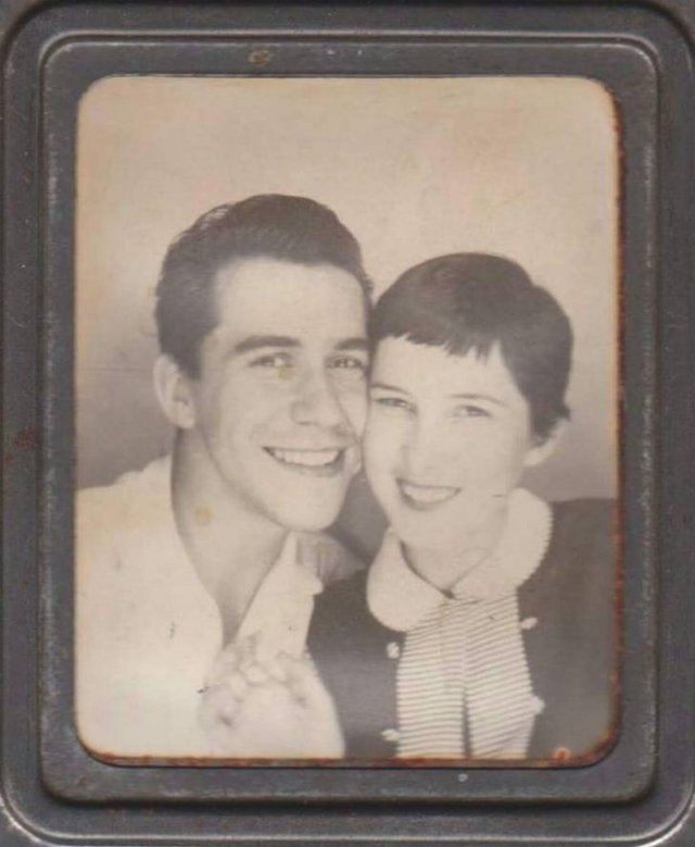 Gorgeous Old Family Photos