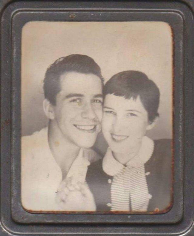 Gorgeous Old Family Photos