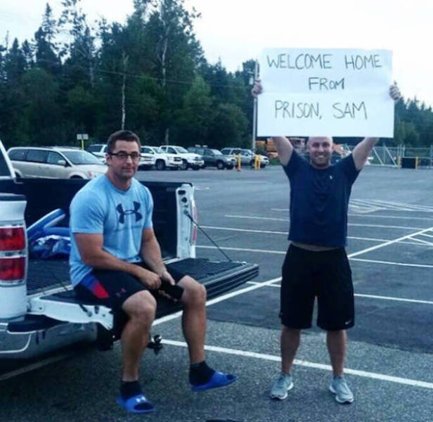 Hilarious Airport Pickup Signs