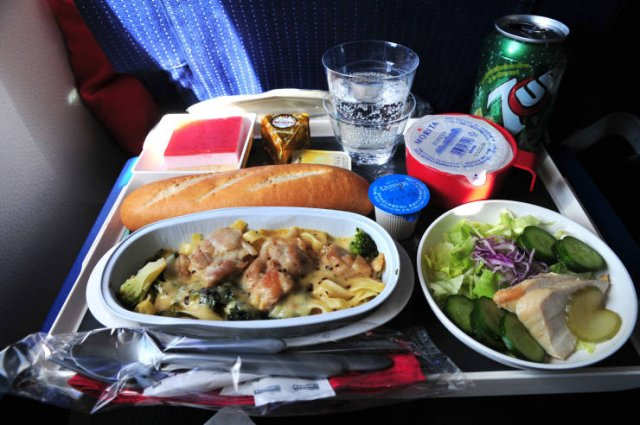 Different Airlines - Different Airplane Food