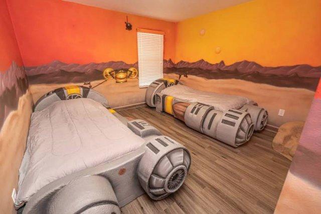 """""""Star Wars"""" Villa"""