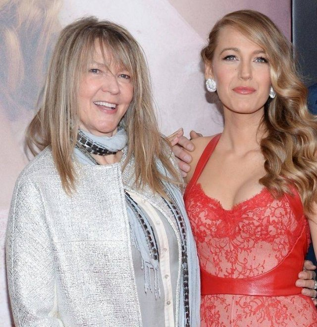 Celebrities With Their Moms