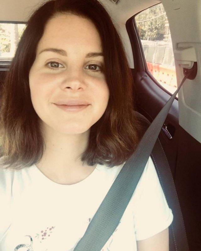 Celebrities Without Makeup, part 7