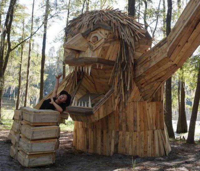 Huge Trolls By Thomas Dambo