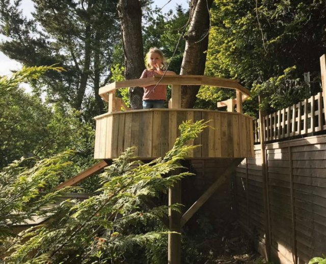 This Dad Built A Treehouse For His Daughters For Just $150, part 150