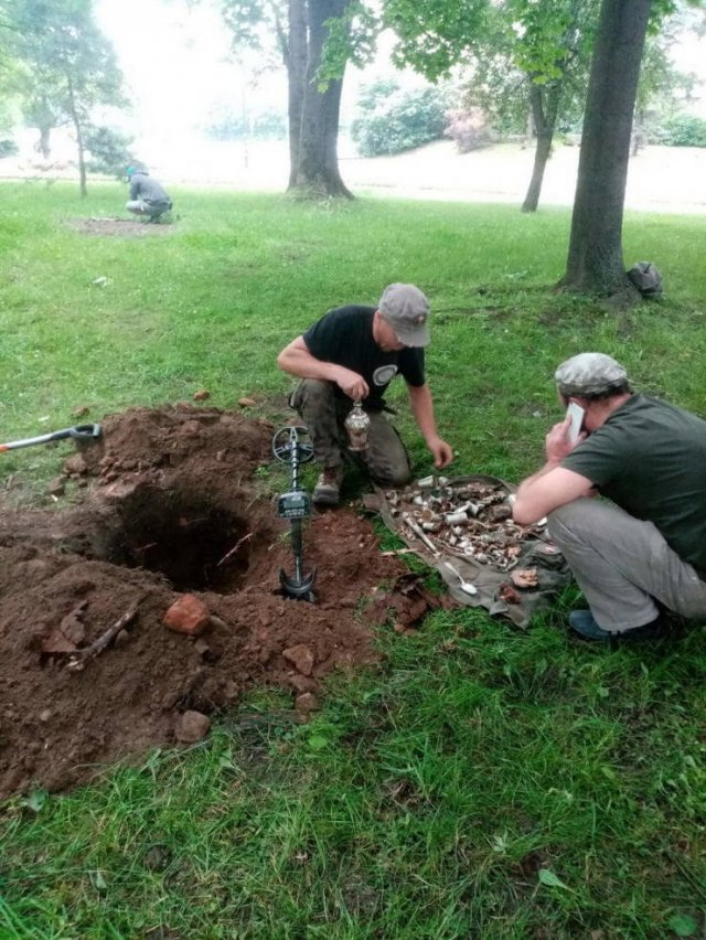 World War II Treasure Found Among The Ruins Of A XIV-Century Castle