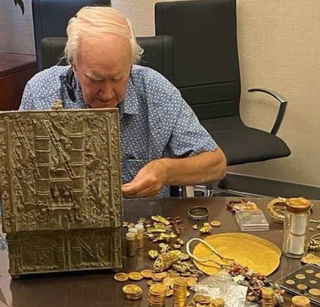 $1 Million Dollar Treasure Found After A 10-Year Hunt
