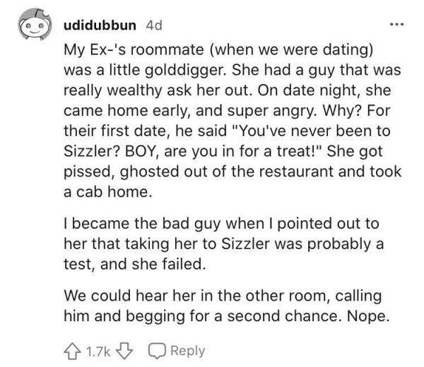 A Woman Strongly Shamed A Guy Who Asked Her For Going Out To Applebee's
