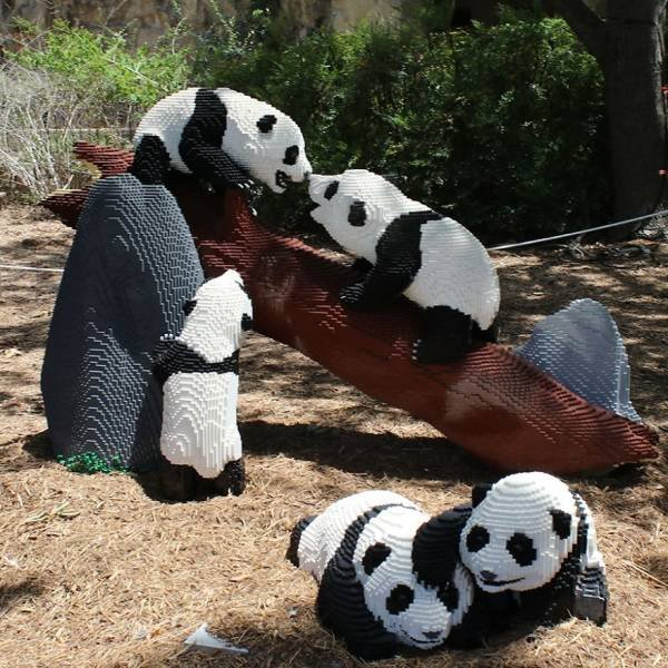 The San Antonio Zoo Replaced Real Animals With LEGO Copies