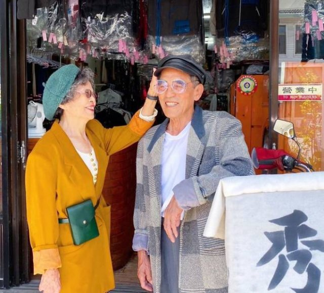 Taiwanese Couple Poses In Forgotten Clients Clothes From Laundry