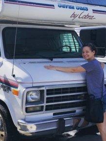 Woman Transformed Old 1995 Chevrolet Seven Seas Cobra Into A Home