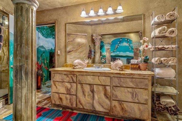 Amazing Underground House In Texas
