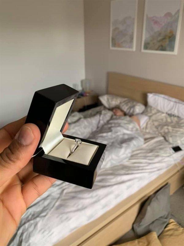Unusual Engagement Photobombing