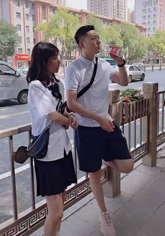 This Chinese Father Is 35 Years Old