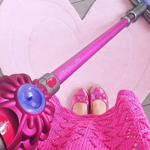 This 32-Year-Old Swiss Teacher Is Obsessed By Pink Color