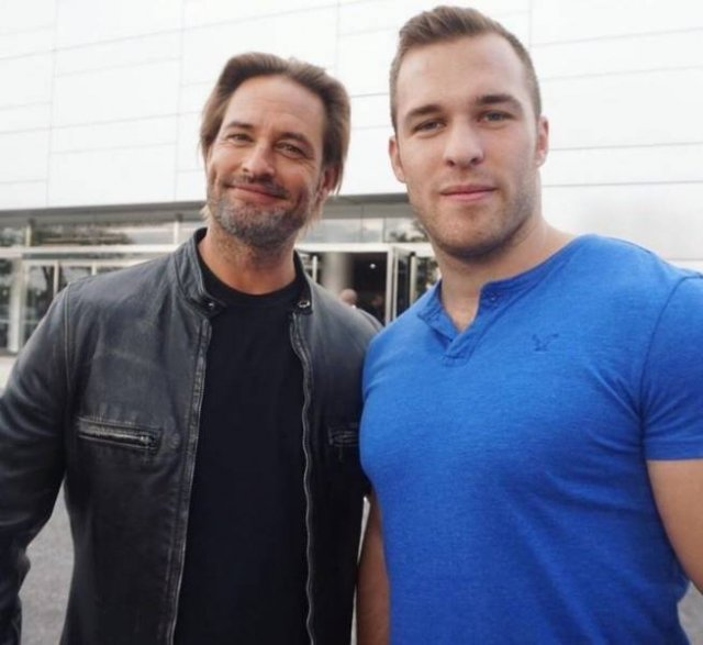 People Share Their Photos With Celebrities
