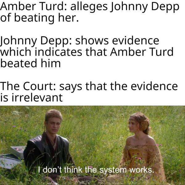 How Internet Defends Johnny Depp From Amber Heard