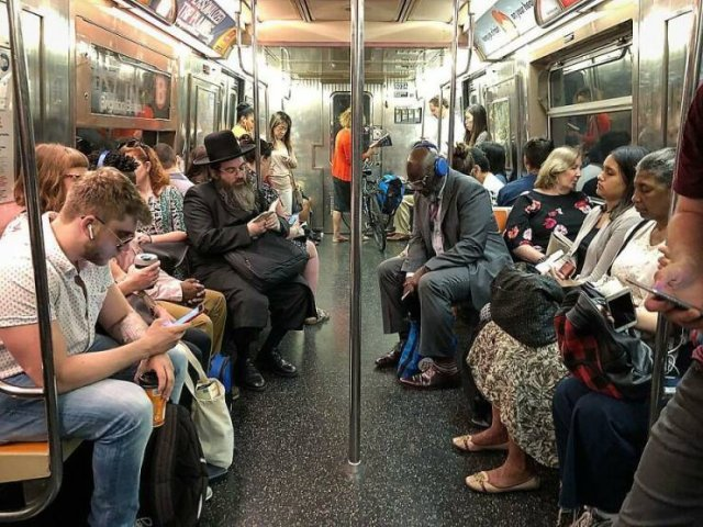 Amazing New York Subway Passenger Photos By Mr. NYC Subway