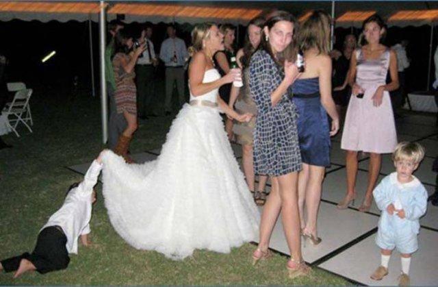 Awkward Wedding Photos, part 2