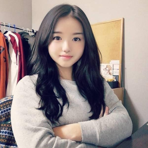 Cute Blogger Girl Has A Secret