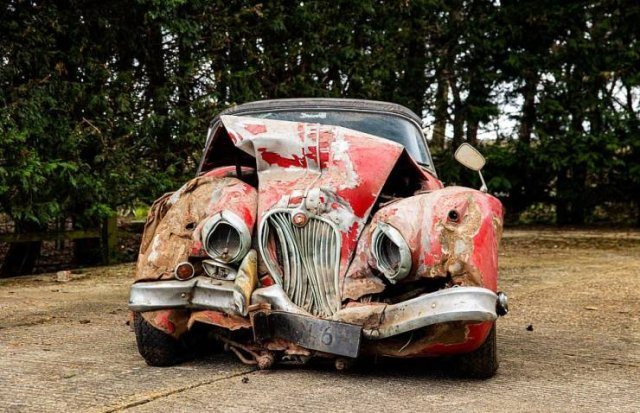 Try To Guess The Price For These Vintage 'Jaguar' Remains