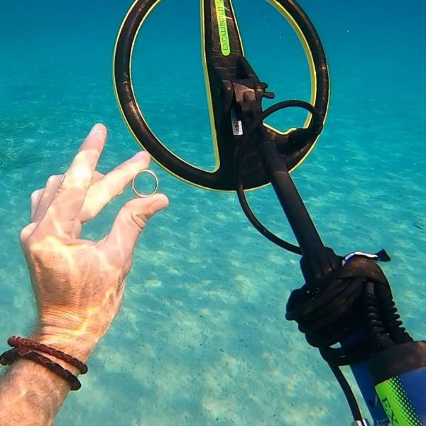 This Australian Guy Can Find Underwater Treasures Anywhere In The World